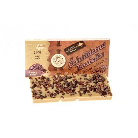 Čokoláda bílá 40% s kousky kakaových bobů, 45 g